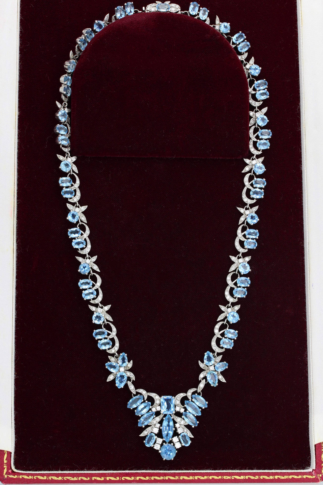 Post-War 1950s Harrods London Aquamarine Diamond Gold Necklace For Sale