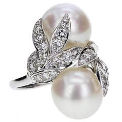 Van Cleef & Arpels Pearl Diamond Platinum Toi-et-Moi Leaf Motif Ring