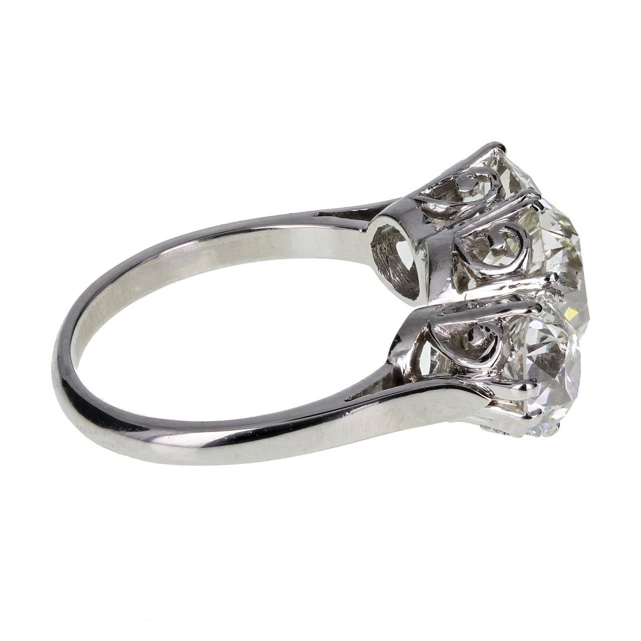 1920s Traditional Three Stone Diamond Platinum Ring 3