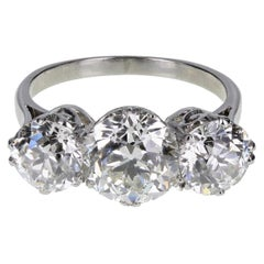 1920s Traditional Three Stone Diamond Platinum Ring