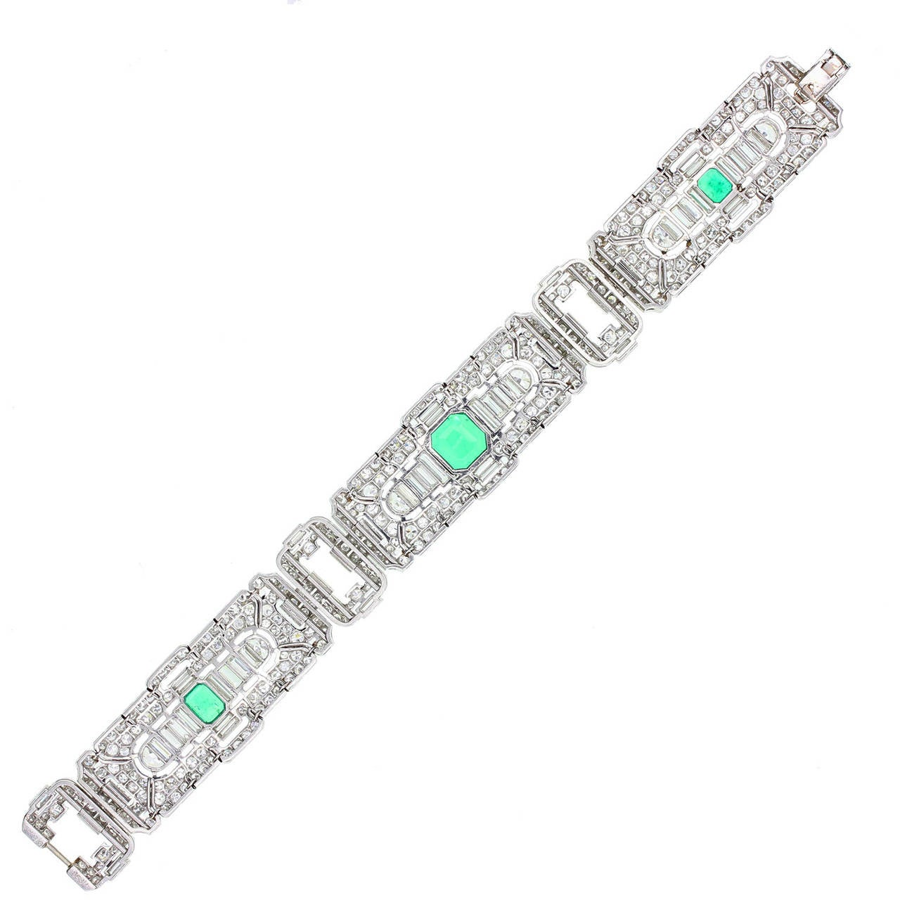 Art Deco Colombian Emerald Diamond Platinum Panel Bracelet In Excellent Condition For Sale In Newcastle Upon Tyne, GB