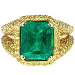 Modern Colombian 5.50 Carat Emerald Yellow Diamond Ring