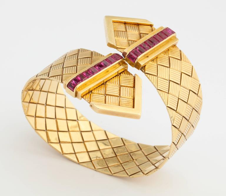 1940s Ruby Gold Crossover Buckles Bracelet 3