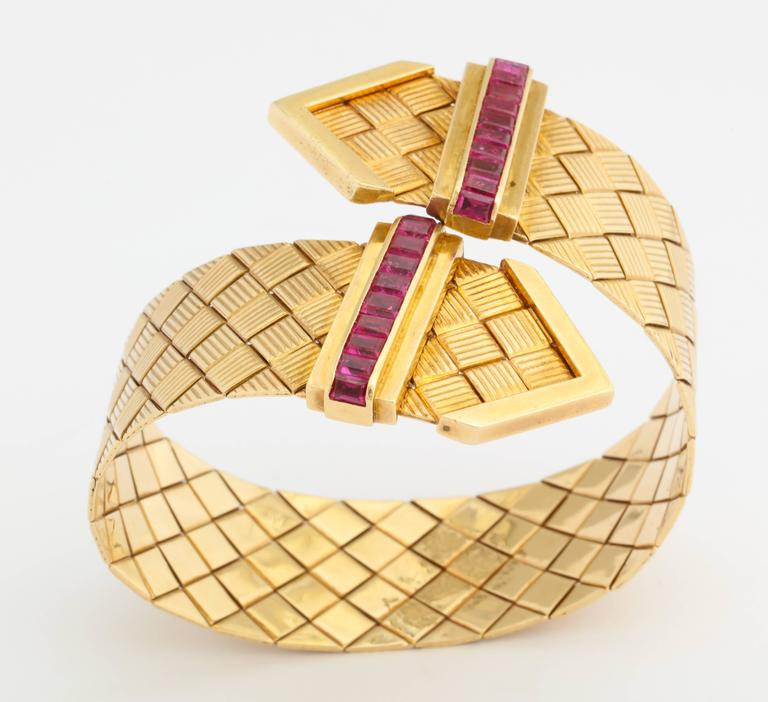 1940s Ruby Gold Crossover Buckles Bracelet 6