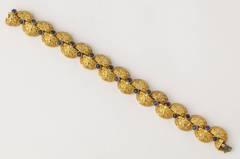 1970s Cartier Paris Sapphire Gold Bracelet For Sale 2