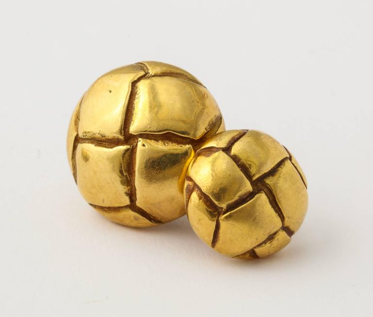 1979 Tiffany Gold Leather Button Cuff Links In Excellent Condition For Sale In New York, NY
