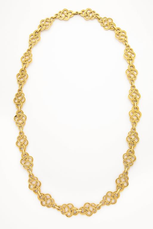 1960s Buccellati Gold Knot Chain Necklace In Excellent Condition For Sale In New York, NY