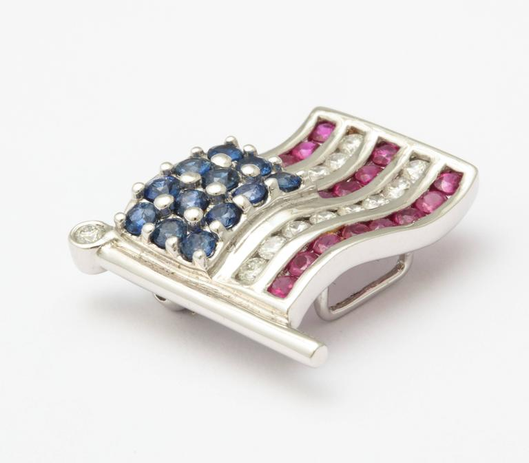 Diamond Sapphire Ruby American Flag Lapel Pin In Excellent Condition For Sale In New York, NY