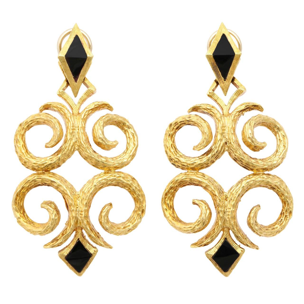 1970s Cindy Royce Black Jade Gold Dangle Earrings 1