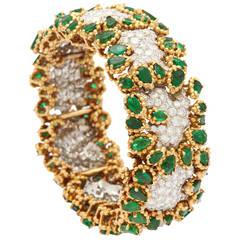 1960s Wander Paris Emerald Diamond Gold Bangle Bracelet