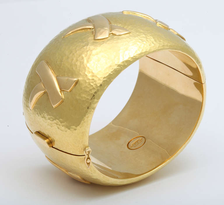 Tiffany & Co. Paloma Picasso Gold Cuff Bracelet and Ear Clips For Sale 3