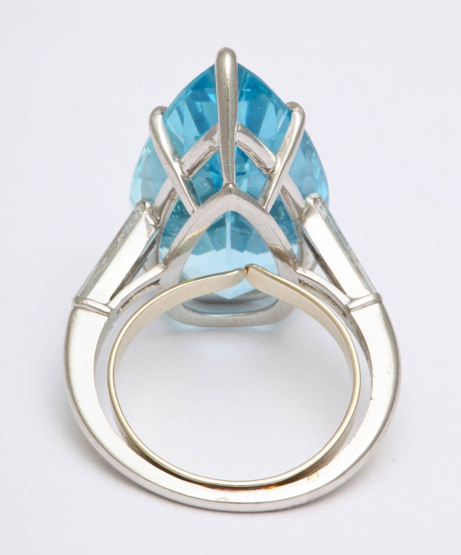 1950s Cartier Pear Shaped Aquamarine Diamond Platinum Ring For Sale 2