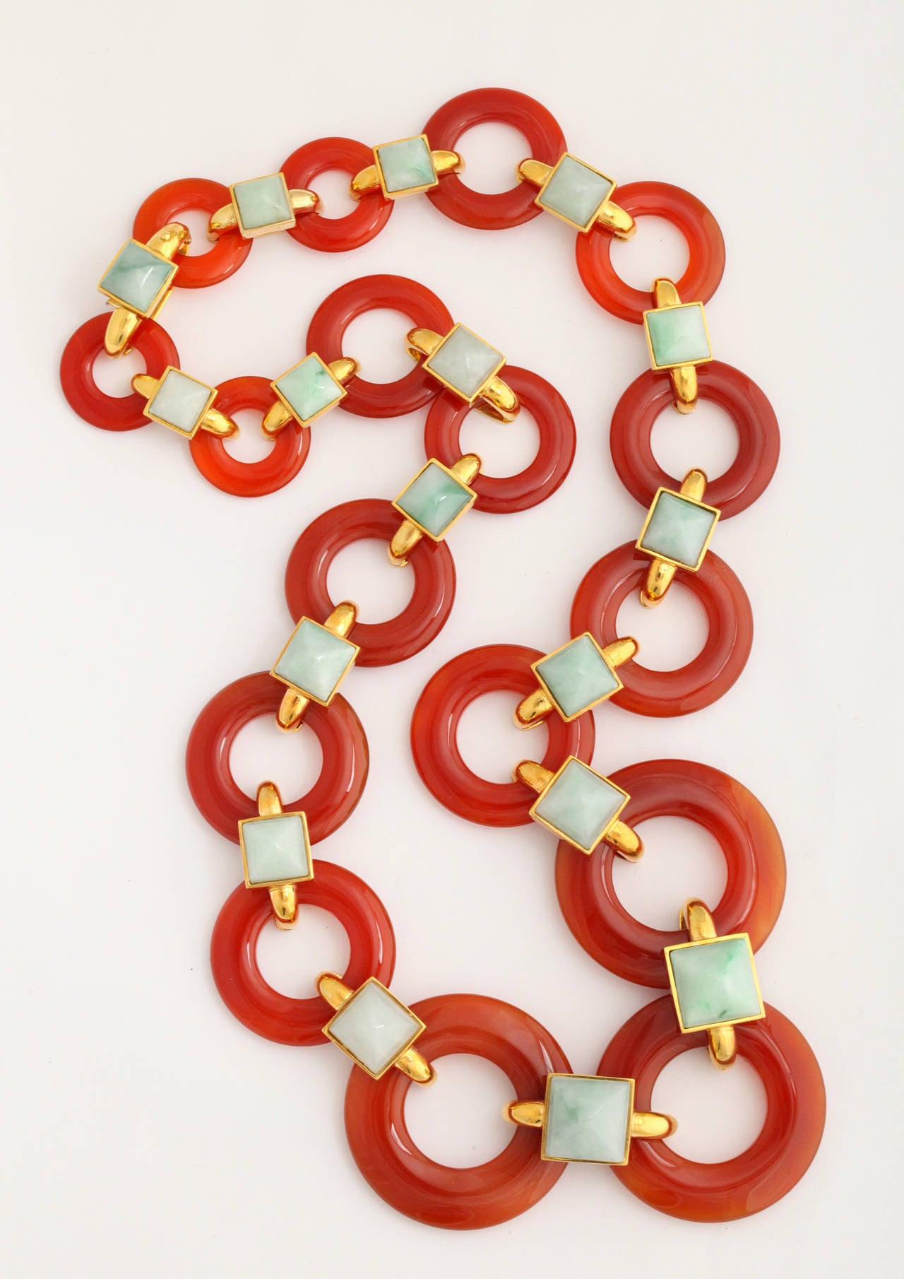 1970s Aldo Cipullo Carved Carnelian Jade Gold Link Necklace For Sale 2