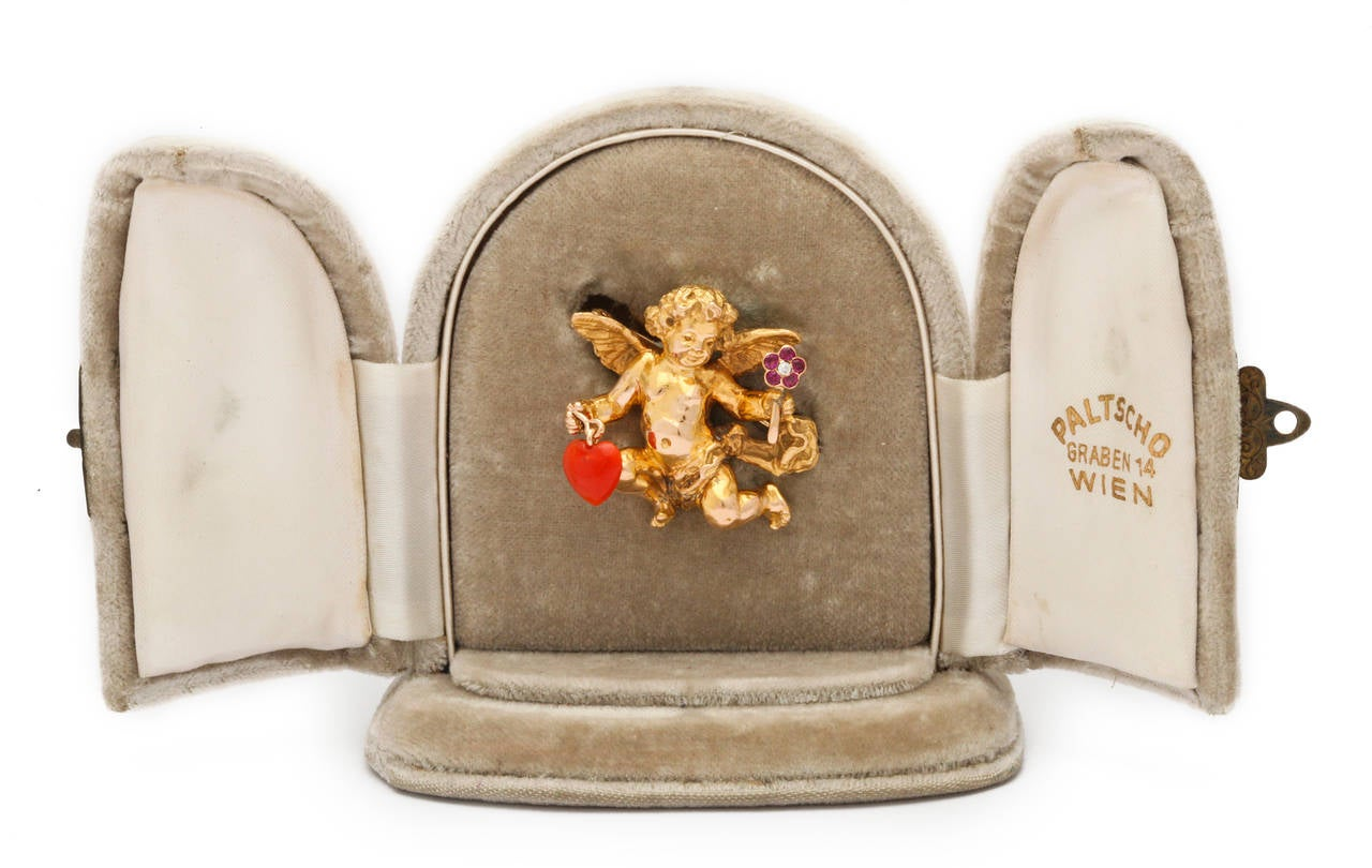 1950s Paltscho Vienna Gold Cherub Brooch in Box In Excellent Condition For Sale In New York, NY