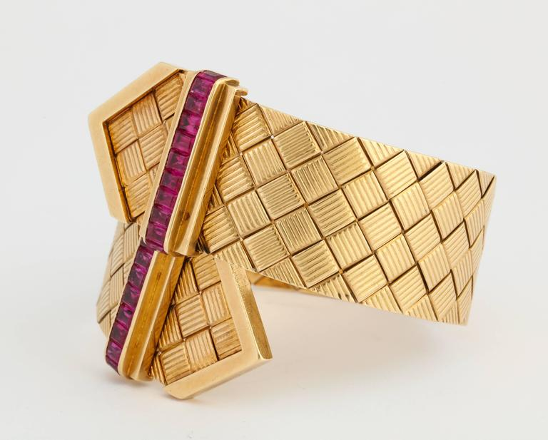 1940s Ruby Gold Crossover Buckles Bracelet 8