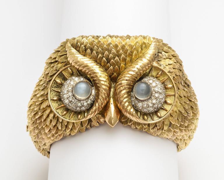 1960s Custom-Made Diamond Moonstone Gold Owl Bracelet For Sale 2