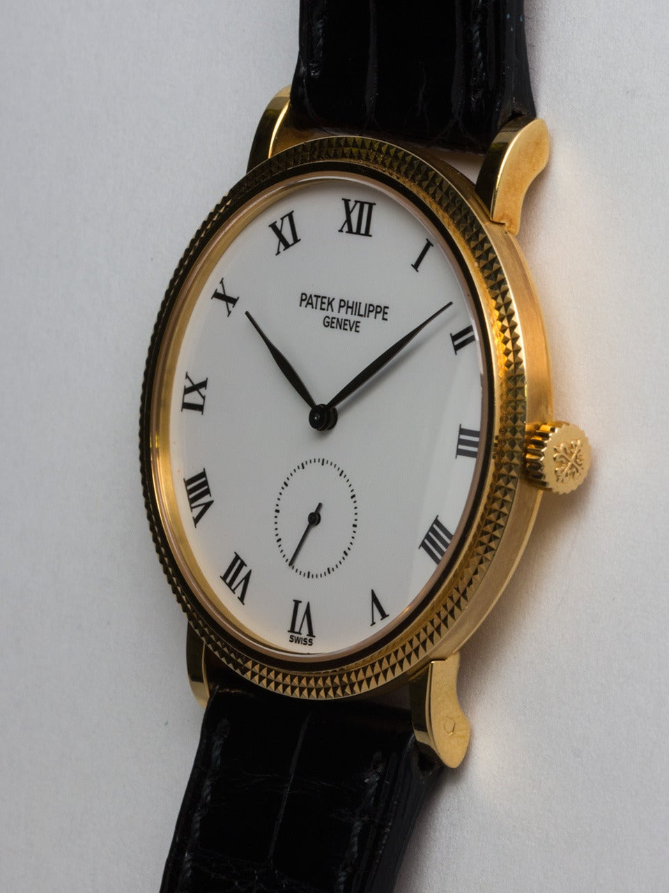 Patek Philippe Yellow Gold Calatrava Wristwatch Ref 3919  In Excellent Condition For Sale In West Hollywood, CA