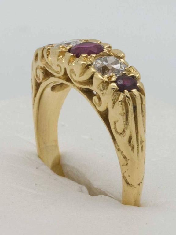 Old European Cut Victorian Ruby Diamond 18 Karat Yellow Gold Ring, circa 1900 For Sale