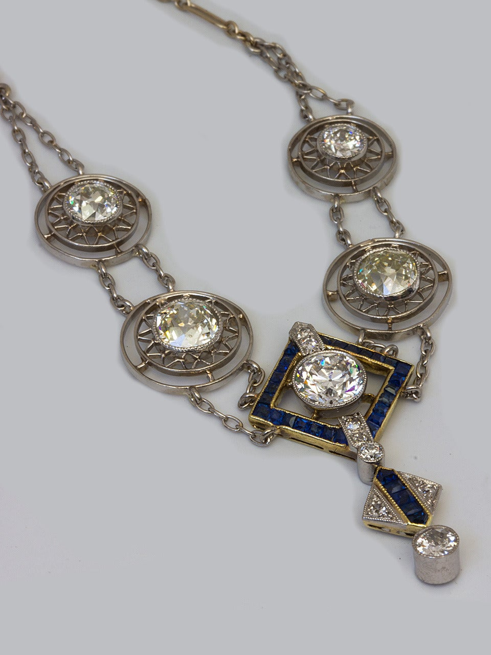 1920s Art Deco 3.50 Carat Platinum 18 Karat and Diamond Lavalier Necklace For Sale 3