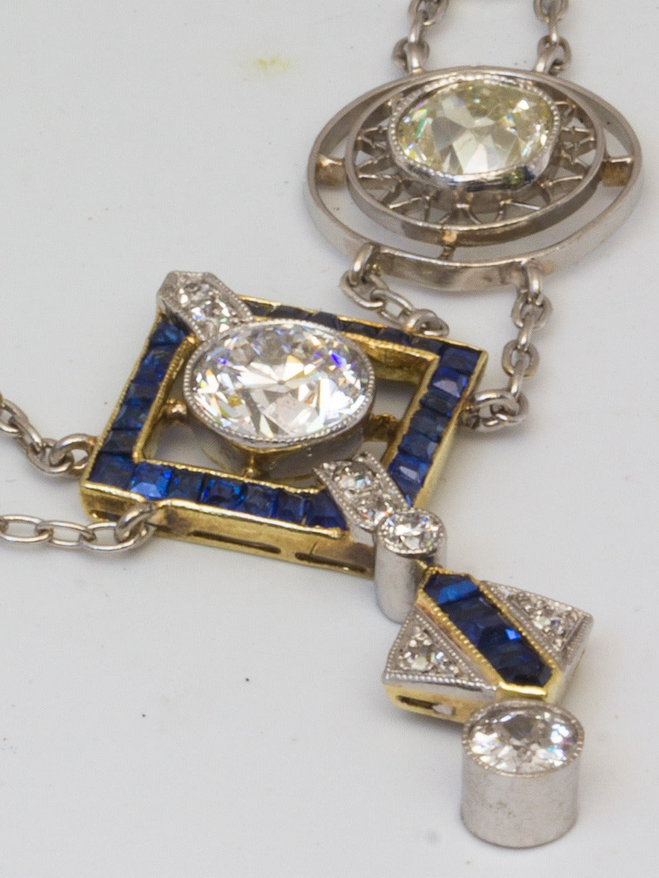 1920s Art Deco 3.50 Carat Platinum 18 Karat and Diamond Lavalier Necklace For Sale 2