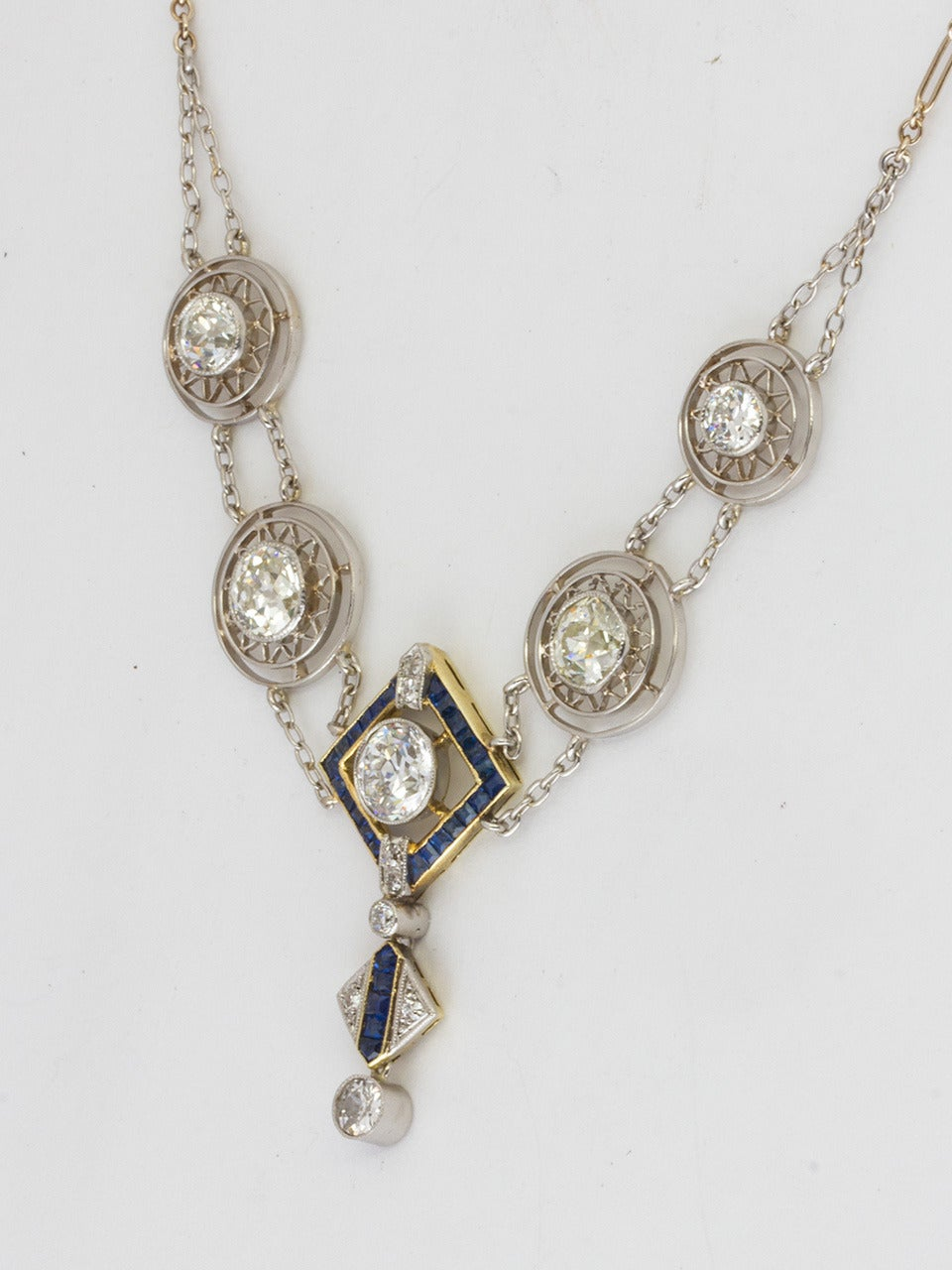 Women's 1920s Art Deco 3.50 Carat Platinum 18 Karat and Diamond Lavalier Necklace For Sale