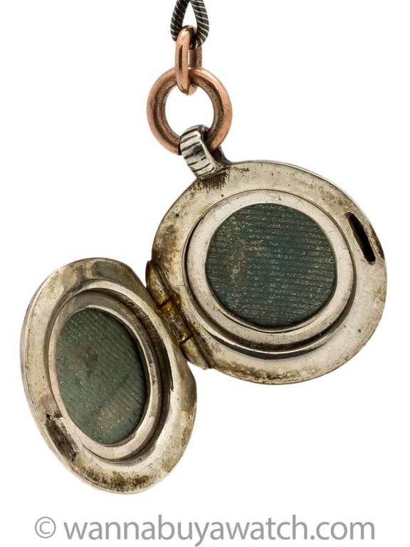 Striking Niello Sterling and Rose Gold Filled Locket and Chain, circa 1920s For Sale 1
