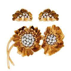 1960s Van Cleef & Arpels Diamond Gold Floral Design Demi-Parure