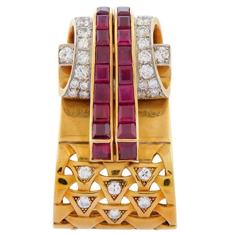 1940s Van Cleef & Arpels Ruby Diamond Gold Scroll Brooch