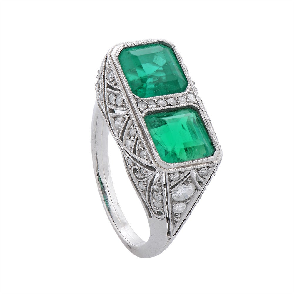 A Fine Art Deco Two-Stone Emerald Diamond Platinum Ring 3