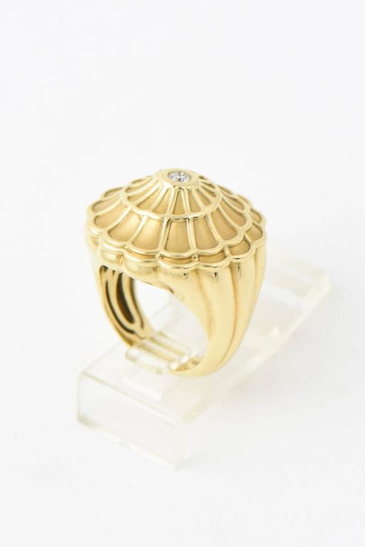 Carrera y Carrera Afrodita Diamond & Gold Flower Cocktail Ring For Sale 1