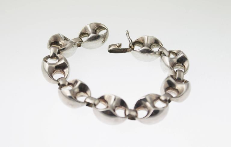 Gucci Style 1970s Classic Silver Anchor Link bracelet.  It is 8