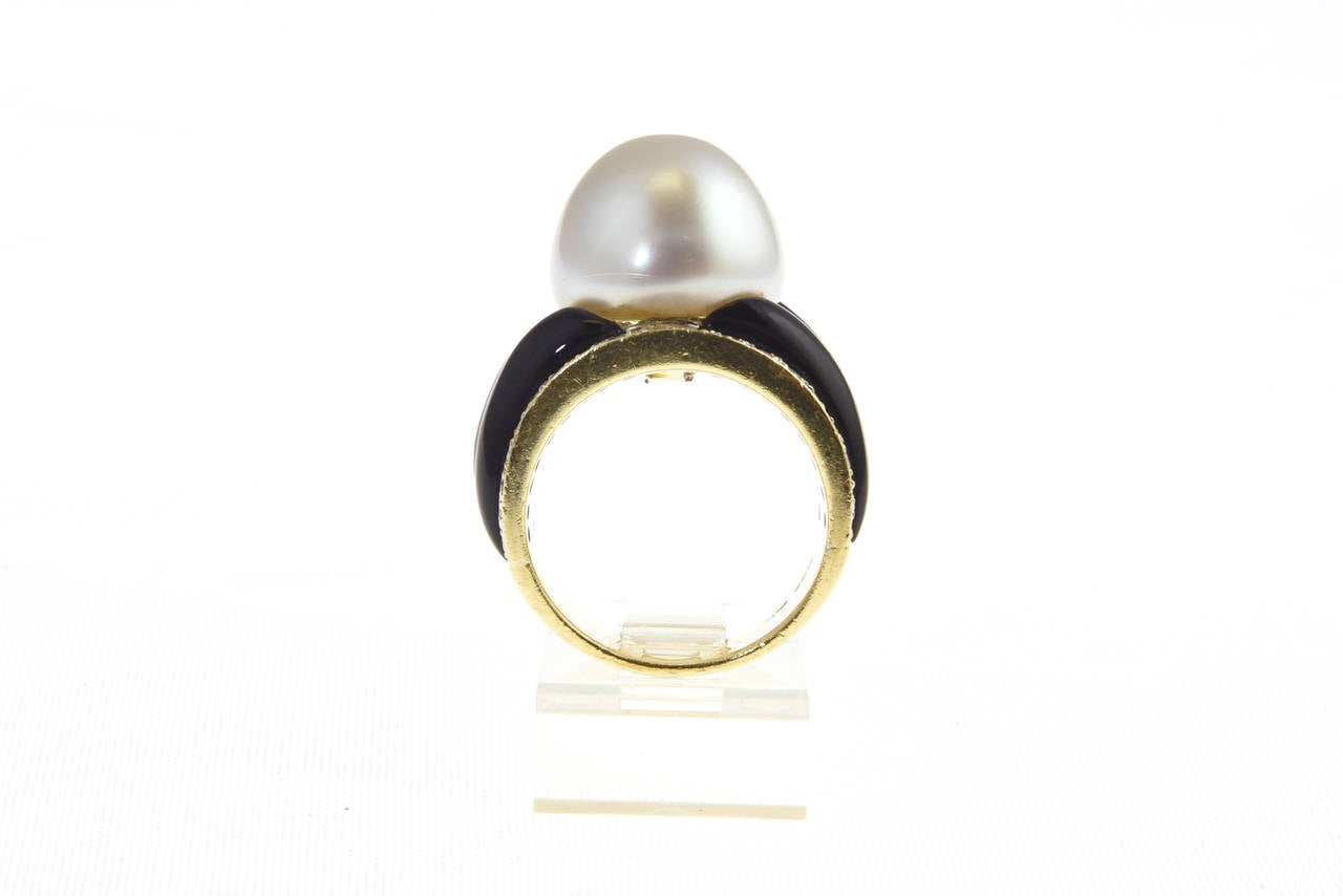 1970s Onyx  South Sea Pearl Diamond Gold Dome Ring For Sale 3