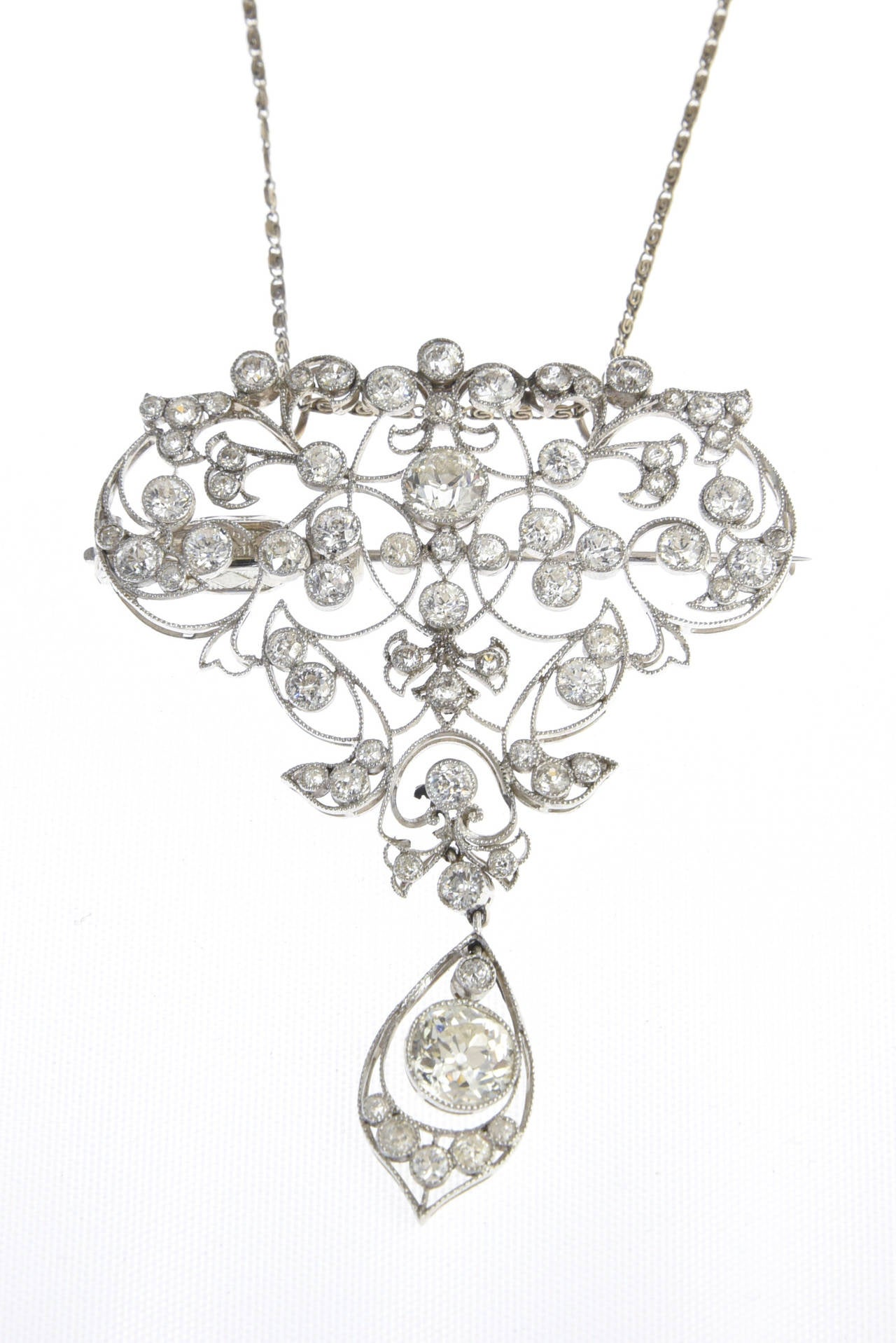 Women's Belle Époque Diamond Platinum Floral Brooch Pendant For Sale