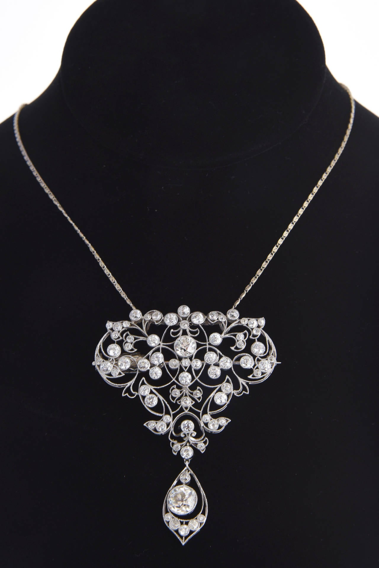 Belle Époque Diamond Platinum Floral Brooch Pendant For Sale 3