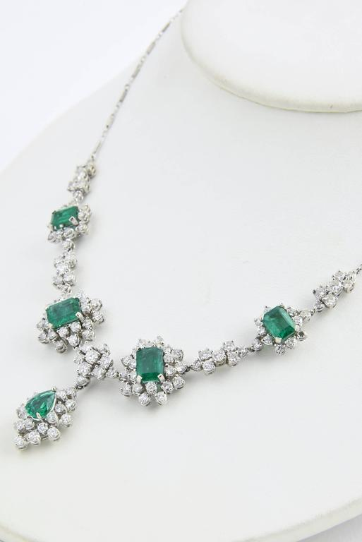 1950s Zambian Emerald, Diamond and Gold Necklace, Red Carpet Style For Sale 2