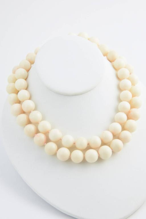 Angel Skin Coral Bead Necklace In Excellent Condition For Sale In Miami Beach, FL