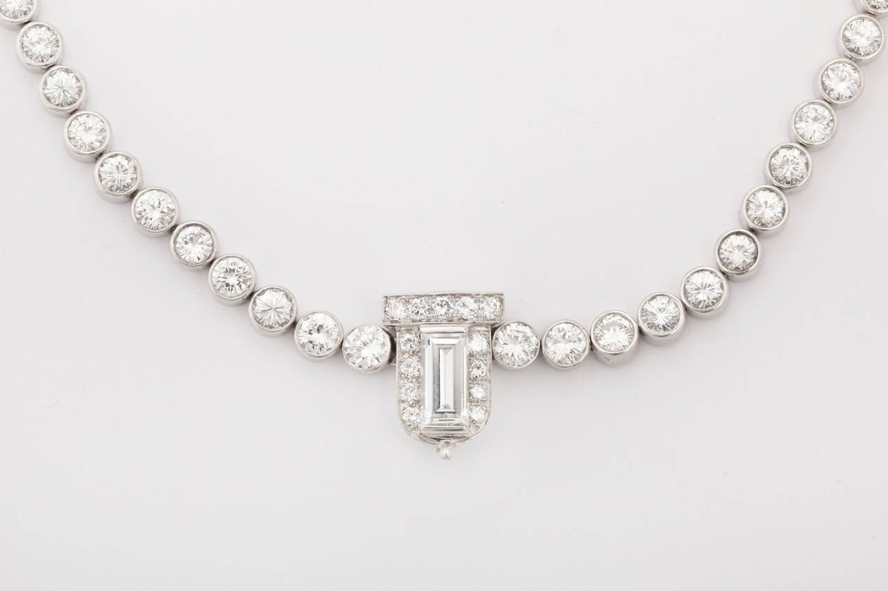 Diamond Platinum Riviere Necklace with Baguette Cut Diamond Clasp In Excellent Condition For Sale In Bal Harbour, FL