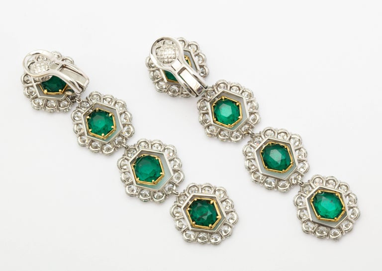 Colombian Emerald and Diamond Long Hanging Earrings In New Condition For Sale In Bal Harbour, FL