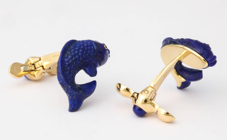 Michael Kanners Carved Lapis and Gold Fish Cufflinks For Sale 1