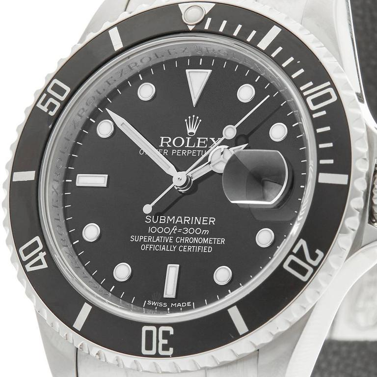Rolex Submariner Stainless Steel Gents 16610, 2007 In Excellent Condition For Sale In Bishop's Stortford, GB