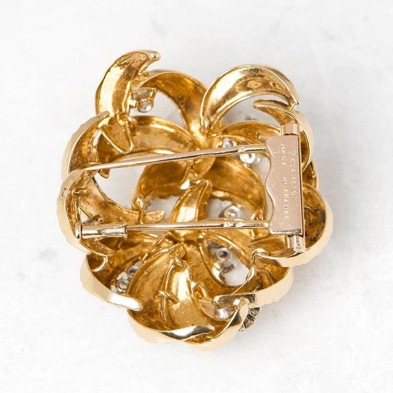 Round Cut Boucheron 18 Karat Yellow Gold Round Brilliant Cut Diamond Vintage Brooch For Sale