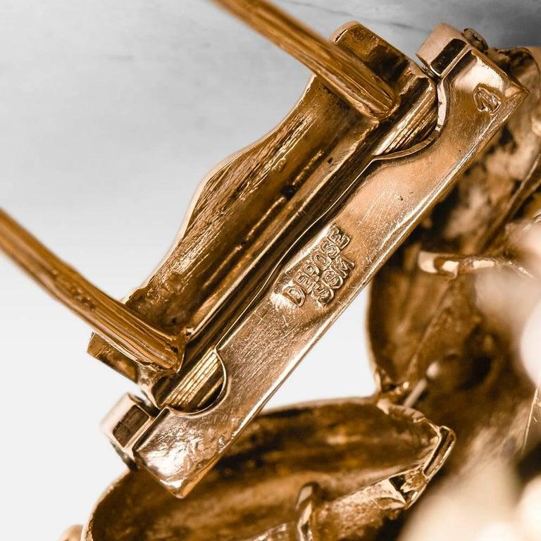 Boucheron 18 Karat Yellow Gold Round Brilliant Cut Diamond Vintage Brooch For Sale 1