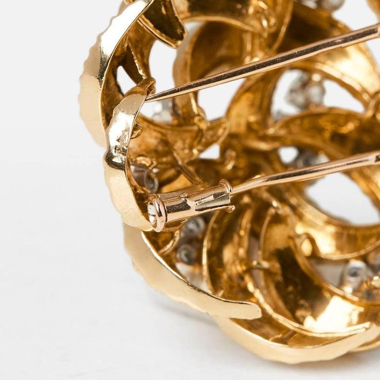 Boucheron 18 Karat Yellow Gold Round Brilliant Cut Diamond Vintage Brooch For Sale 2