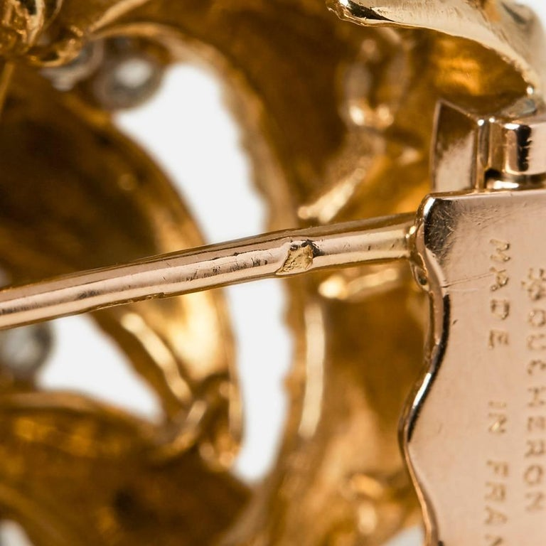 Boucheron 18 Karat Yellow Gold Round Brilliant Cut Diamond Vintage Brooch For Sale 3