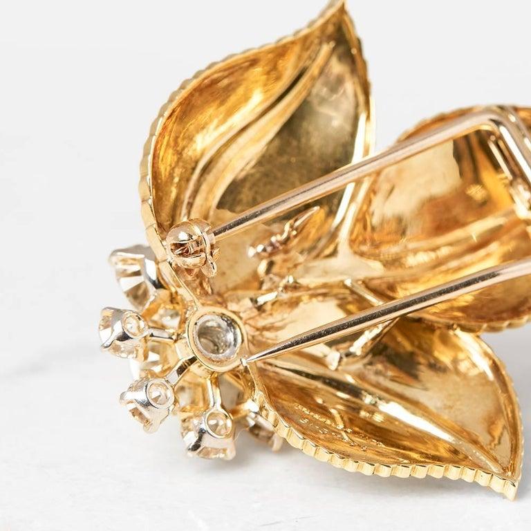 Cartier 18 Karat Yellow Gold Diamond Three Leaf Vintage Brooch In Good Condition For Sale In Bishop's Stortford, Hertfordshire