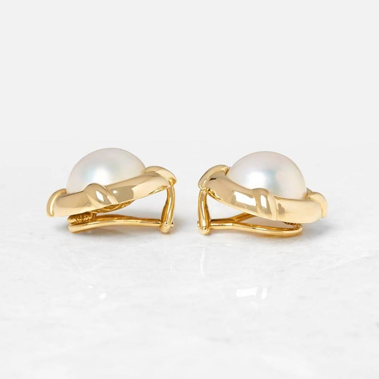 Tiffany & Co. 18 Karat Yellow Gold Mabe Pearl Clip-On Earrings  In Excellent Condition For Sale In Bishop's Stortford, Hertfordshire