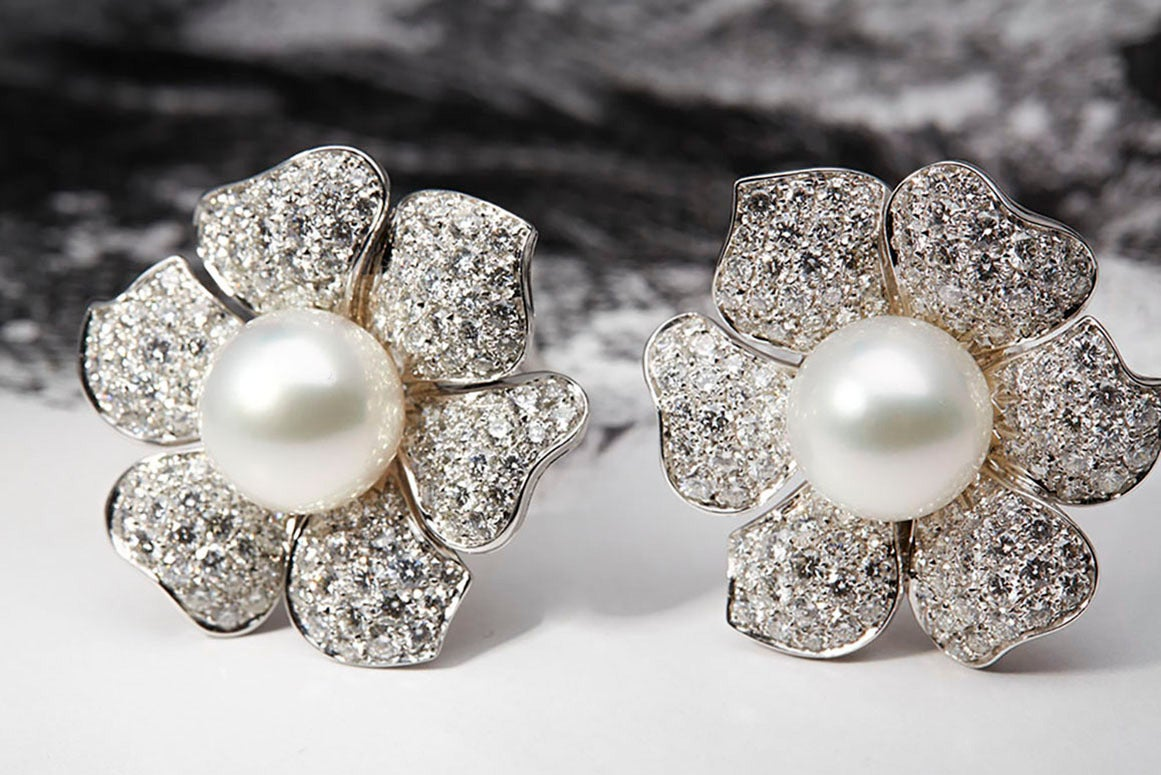 Picchiotti South Sea Pearl Diamond Gold Flower Earrings 3
