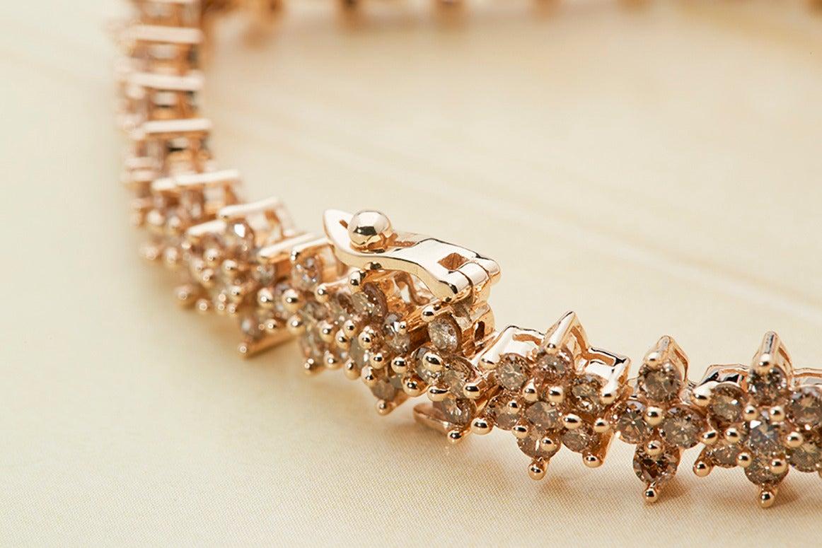 Fancy Yellow Diamond Gold Flower Tennis Bracelet In Good Condition For Sale In Bishop's Stortford, Hertfordshire