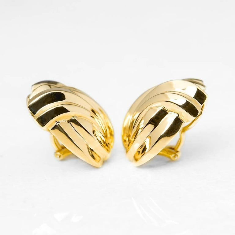 Tiffany & Co. Gold Earrings In Excellent Condition For Sale In Bishop's Stortford, Hertfordshire
