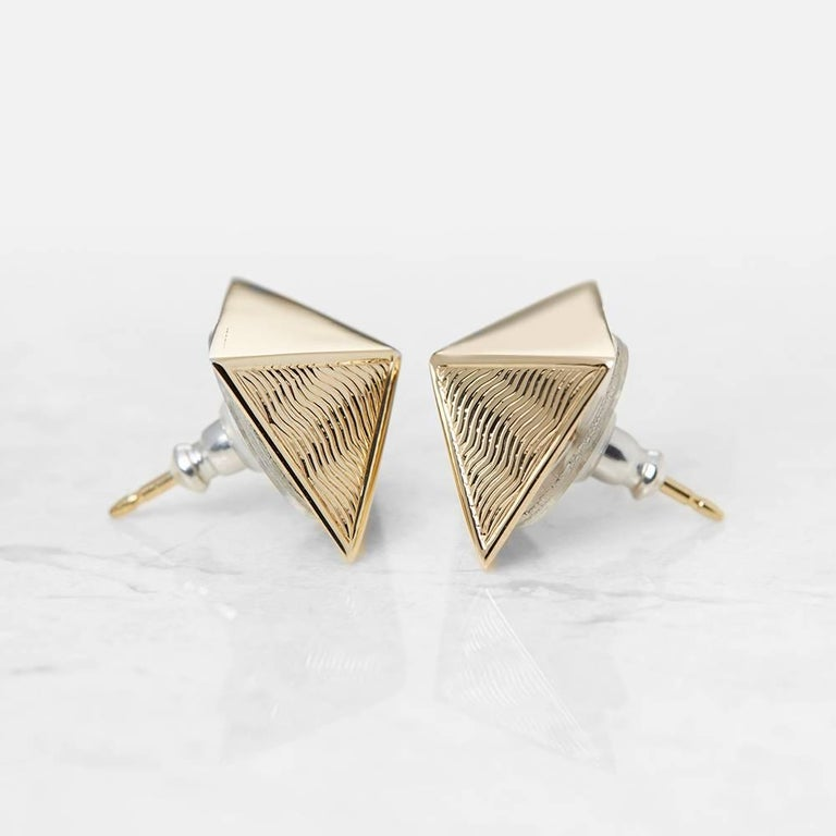Van Cleef & Arpels 18 Karat Yellow Gold Pyramid Design Stud Earrings  In Excellent Condition For Sale In Bishop's Stortford, Hertfordshire
